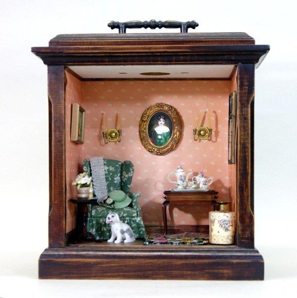 Fancy Clock Box w/Furniture