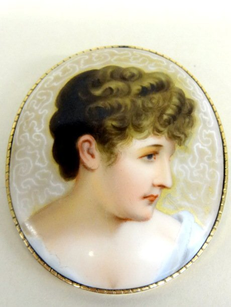 Davenport Porcelain Lady's Brooch
