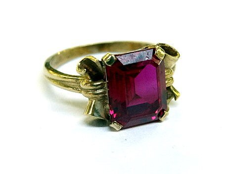10Kt Lady's Ring