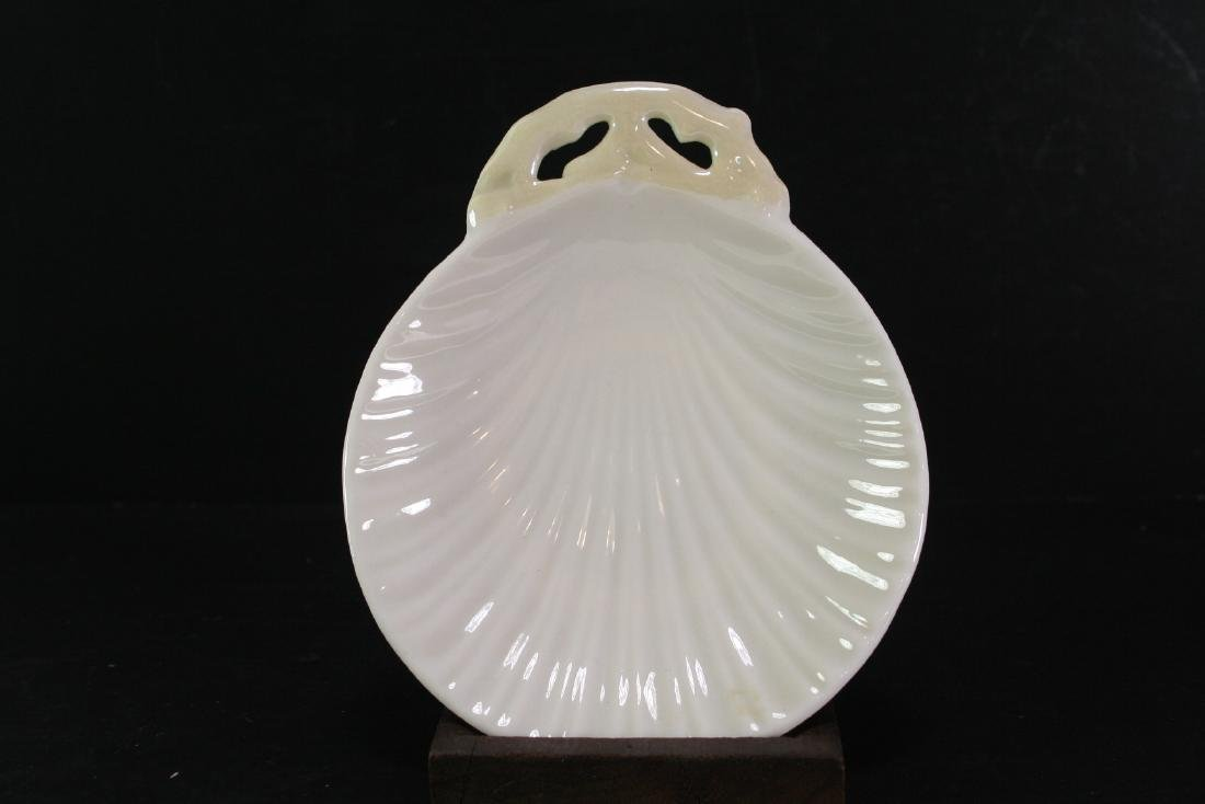 Porcelain Shell Shaped Plate with Wood Stand