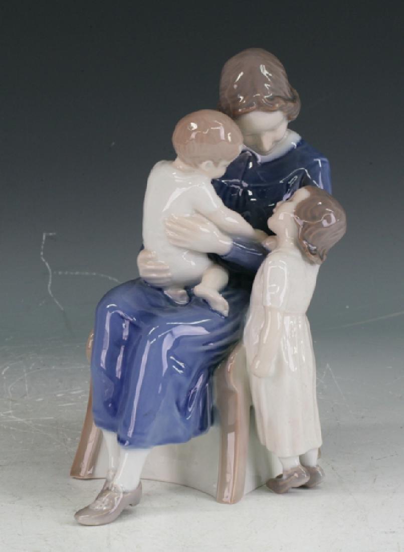 Royal Copenhagen Figure group