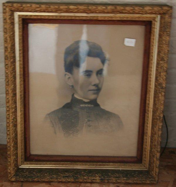 15: Period Victorian Frame