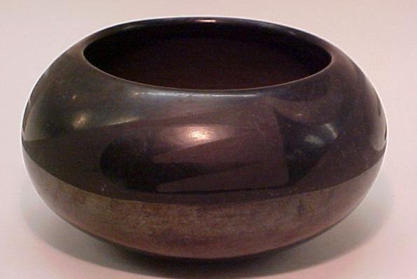 15: Southwestern Blackware Pottery Vase