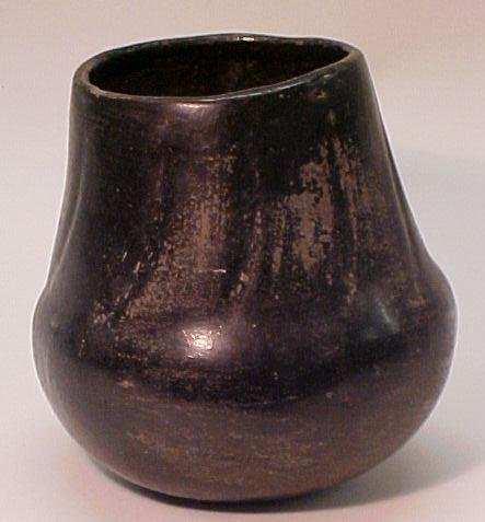16: Southwestern Blackware Pottery Vase