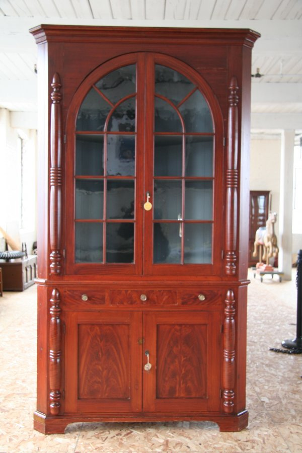 15: Early 19th Century Corner Cupboard