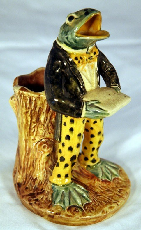 17: Early Majolica Singing Frog Vase