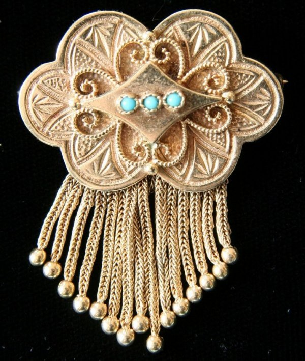 18: Victorian 14kt Gold Pin