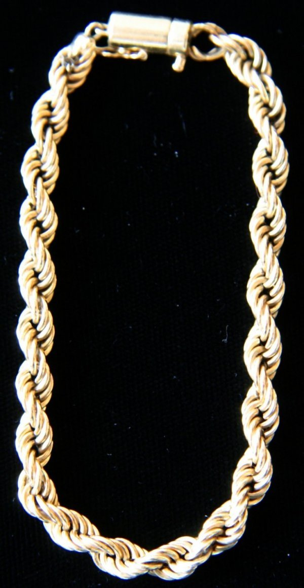 20: Gold Twisted Bracelet