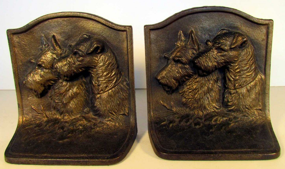23: Hubley Scotty and Terrier Friends Bookends
