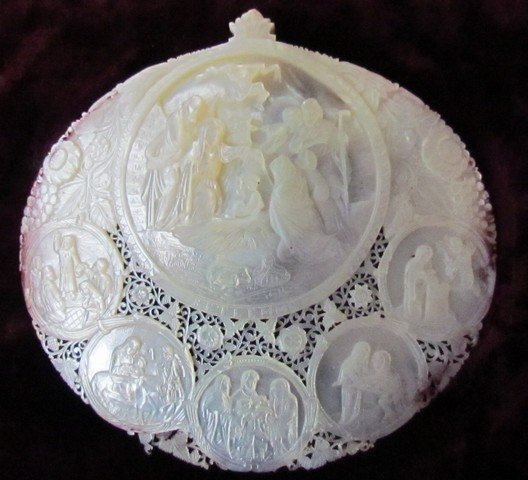29: Canton c. 1840 Carved Mother of Pearl Nativity Scen
