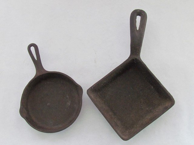 39: Two Griswold Minature Cast Iron Pans