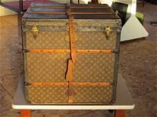 28: Louis Vuitton Trunk