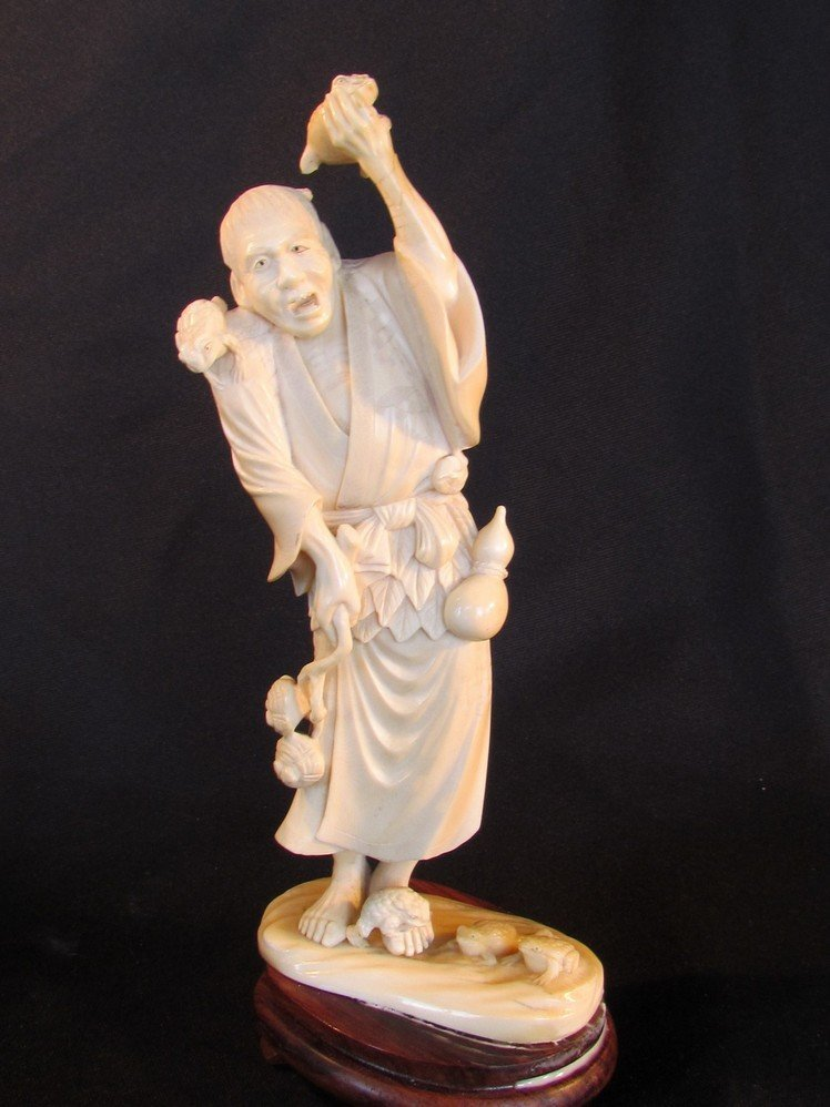 18: Large Oriental Ivory Man with Frogs 19th Century