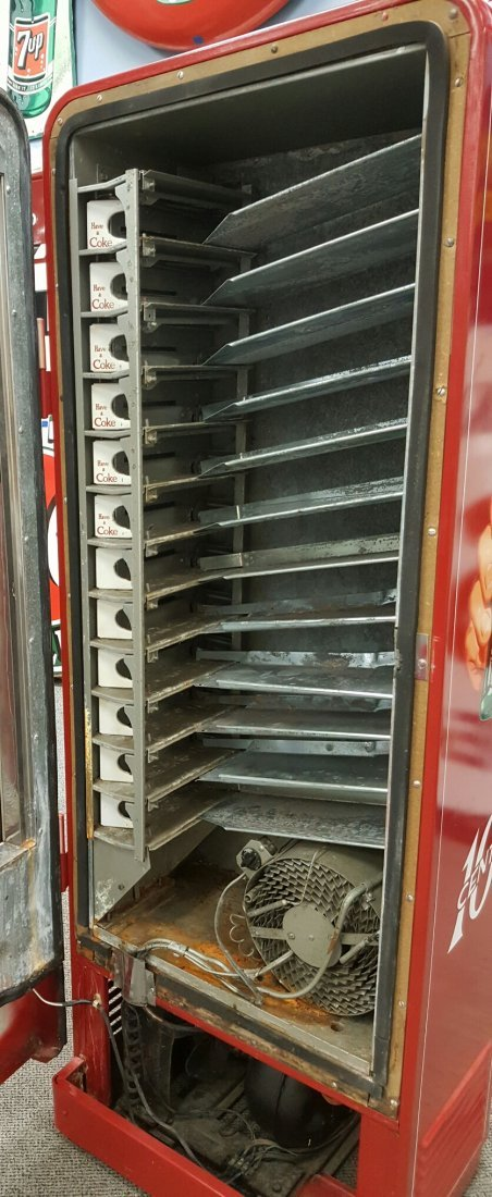 Coca Cola Cavalier 96 Vending Machine - 4