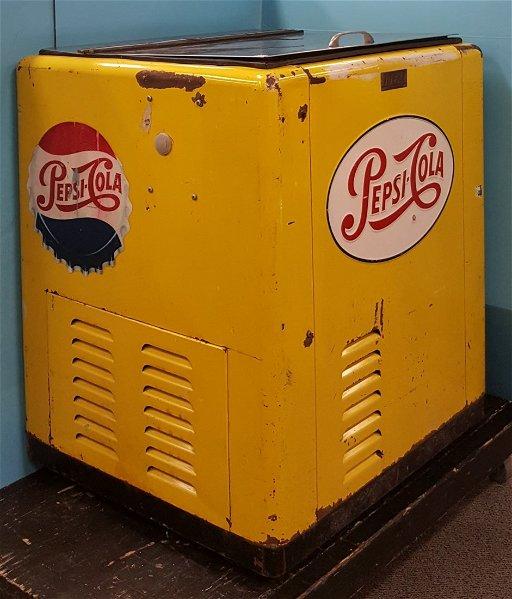 Scarce Pepsi Cola Cola in original yellow color
