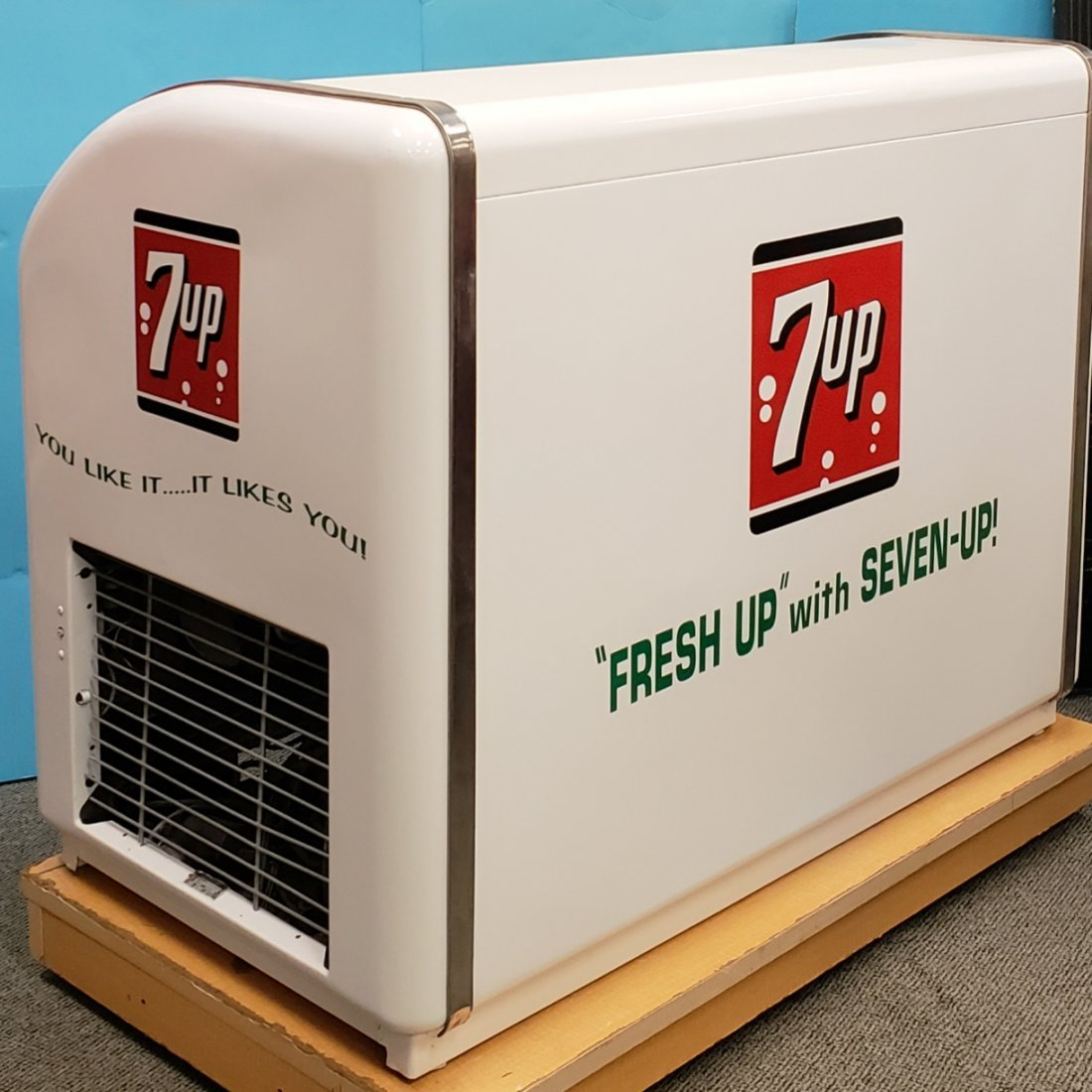 RARE Victor 2 door 7up Cooler - 2