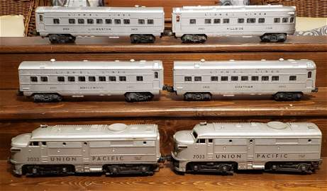 Lionel Train Set w/ Union Pacific Twin Engines 2033