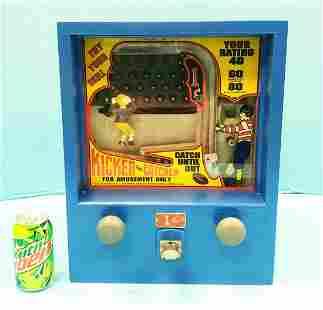Kicker & Catcher 1 cent coin op game