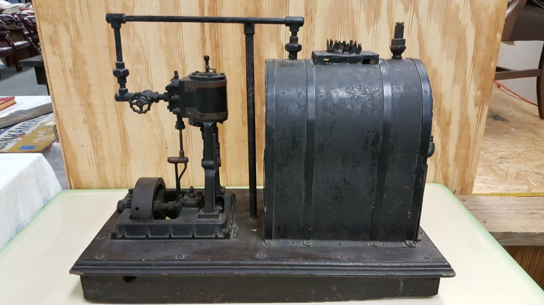 Early 1900\'s salesman sample steam engine