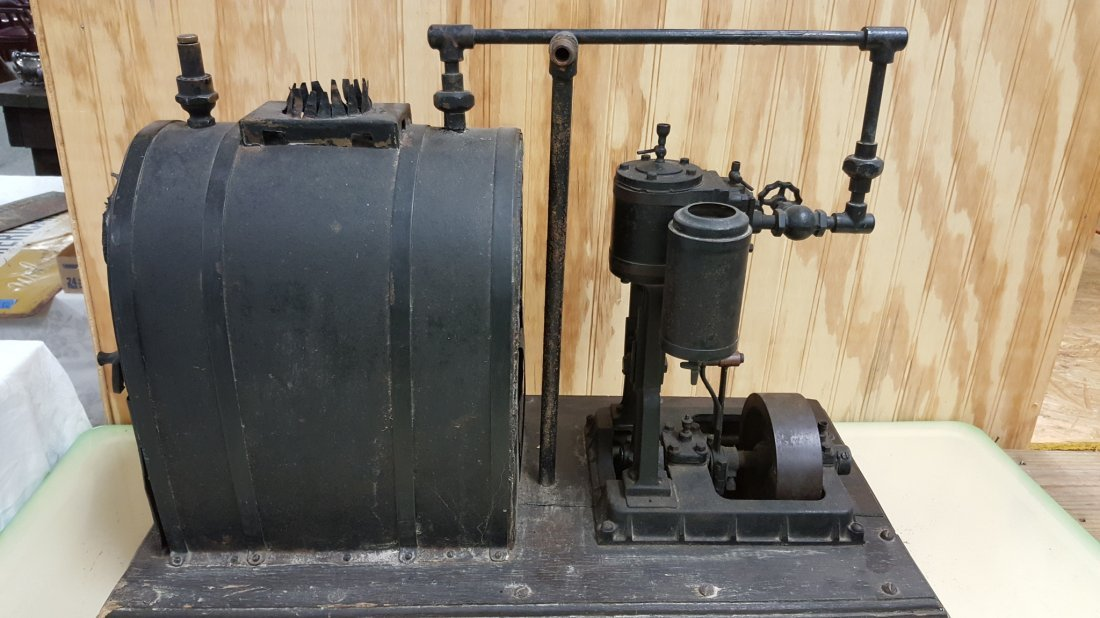 Early 1900\'s salesman sample steam engine - 2