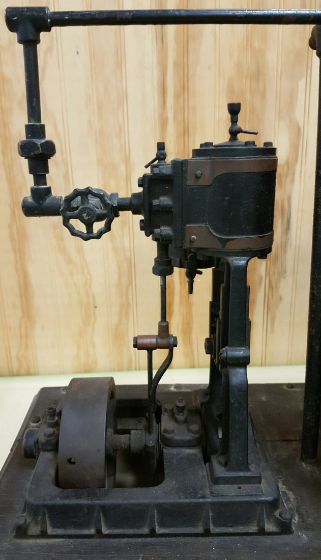 Early 1900\'s salesman sample steam engine - 4