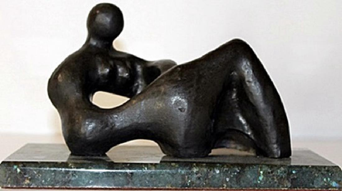 Bronze Sculpture - Henry Moore