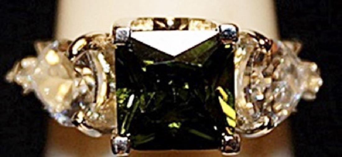 Beautiful Green Peridot & White Topaz SS Ring. (508L)