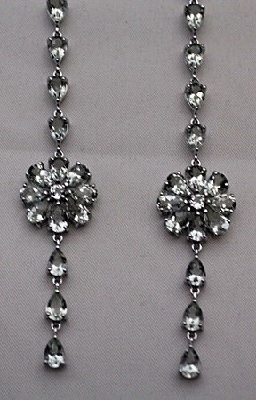 Gorgeous Silver Earrings with White Garnet (4I)
