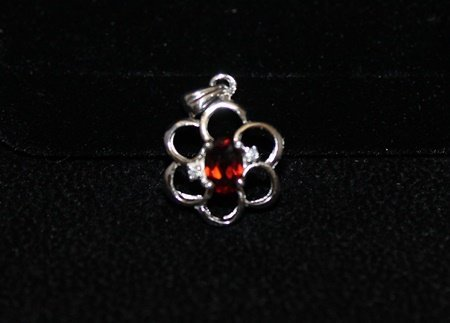 Beautiful Garnet & Diamonds Silver Pendant (4P)