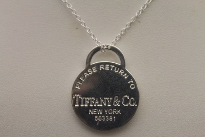 Gorgeous Signed T & Co. Silver Necklace (3N)