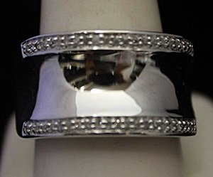 Unisex Beautiful Silver Ring with Diamonds