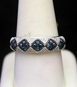 Beautiful Silver Ring with Topaz & Diamonds