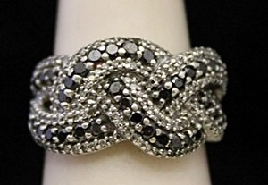 Beautiful Silver Ring with Black & White Cluster