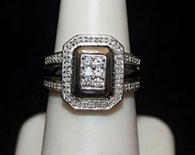 Lady's Beautiful Silver Ring With Black & White