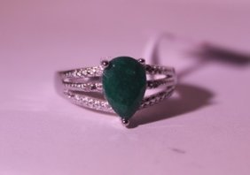 Exquisite Sterling Silver Ring With Pear Cut Columbian