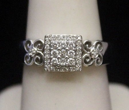 Gorgeous Silver Ring with Cluster Diamonds (173I)
