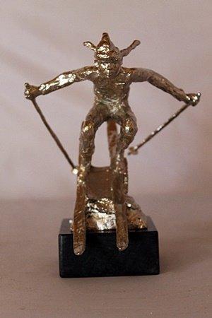 She Comes Into view - Silver Sculpture - Dennis Smith
