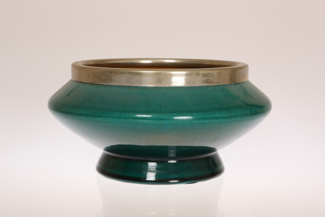 LINTHORPE POTTERY, NO. 467 A SALAD BOWL, DESIGNED BY