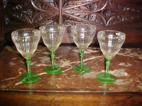 16: Lot of 4 elegant depression stemware green and clea