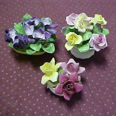 20: Lot of 3 assorted Coalport  foral posies.