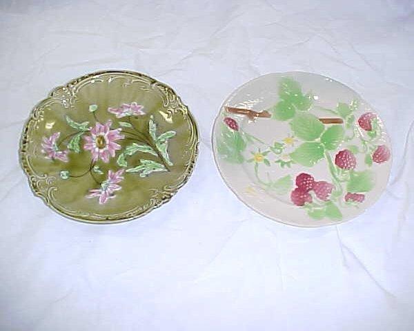 13: Lot of 2 vintage majolica plates