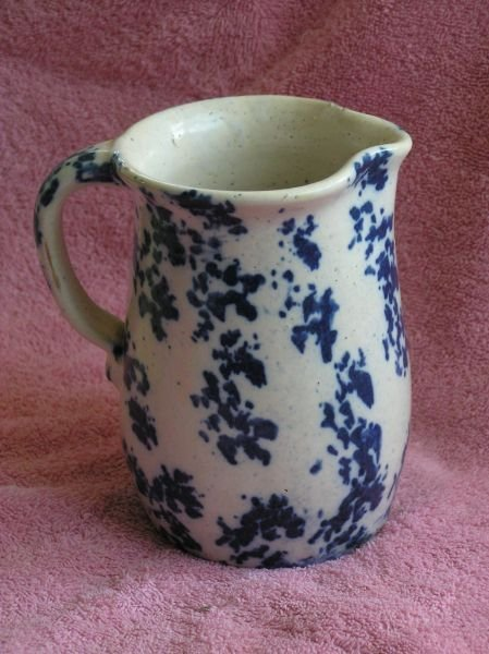 611: SPONGEWEAR POTTERY PITCHER