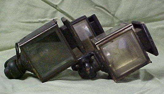 2009: Lot of 3 early carriage lights