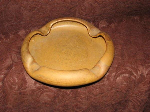 8: W. J. Gordy large ashtray
