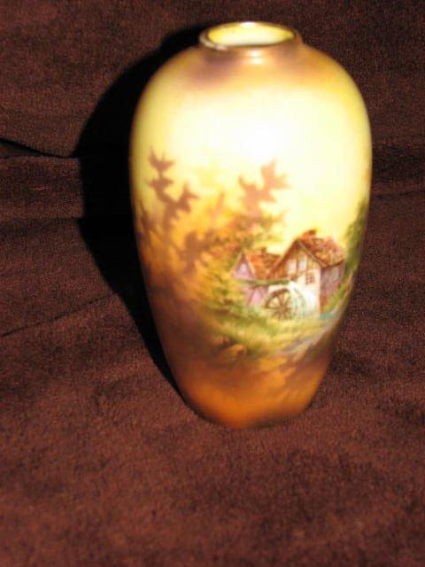 16: R. S. Prussia vase