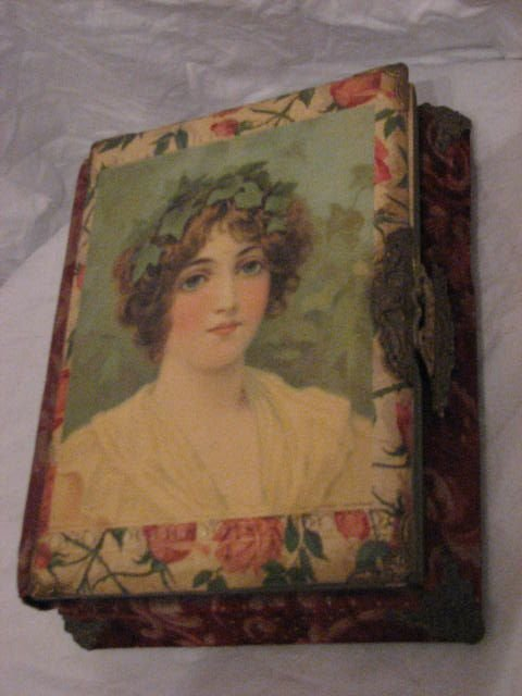 21: Victorian photo album w/music box