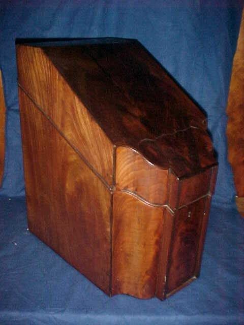 189: Period mahogany knife box flame croch Mahogany cas
