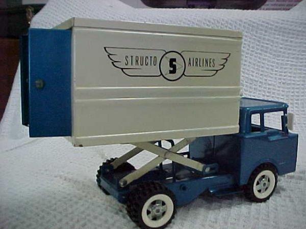 5: Structo ford Hi-lift Airlines box van - 2