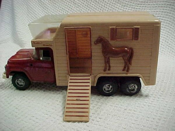 10: 1960's Buddy L Stable truck