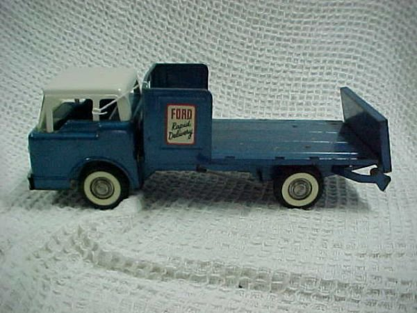 12: Buddy L Ford Rapid delivery w/lift gate & tilt  cab